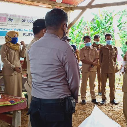Kunjungan Bupati Mesuji keposko Relawan covid 19
